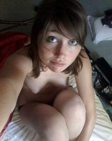 Cutie girlfriend nude in morning
