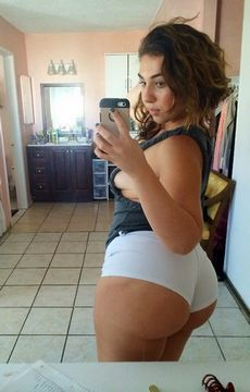 Hot real selfshot brunette with..