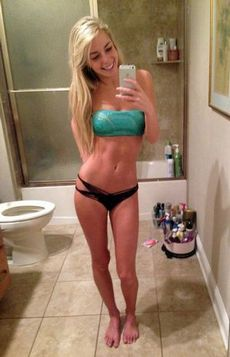 Fabulous blonde fit in a amazing..