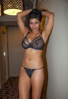 Superb asian big tits lingerie in..