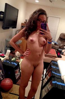 Naked girl basketball fan selfshot